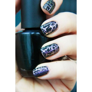 Shimmery silver polish with black crackle on top